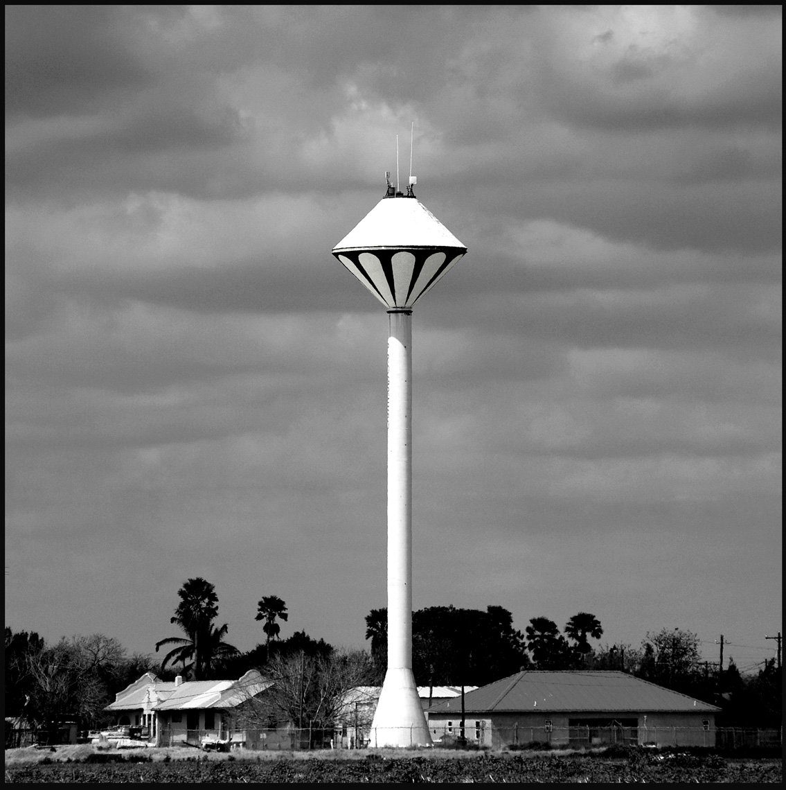 Texas Watertower1 BW copy.jpg